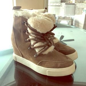 "Steve Madden Wedge sneaker with fur ""Lift"""
